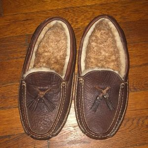 Cabelas brown leather slippers moccasins 7.5 Warm